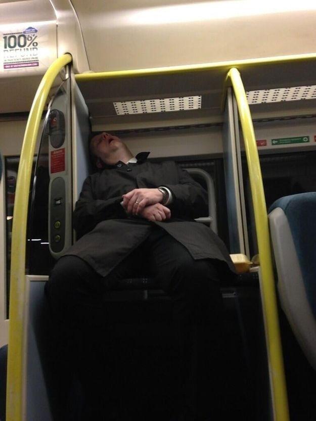 Прикольные фото спящих людей в поезде