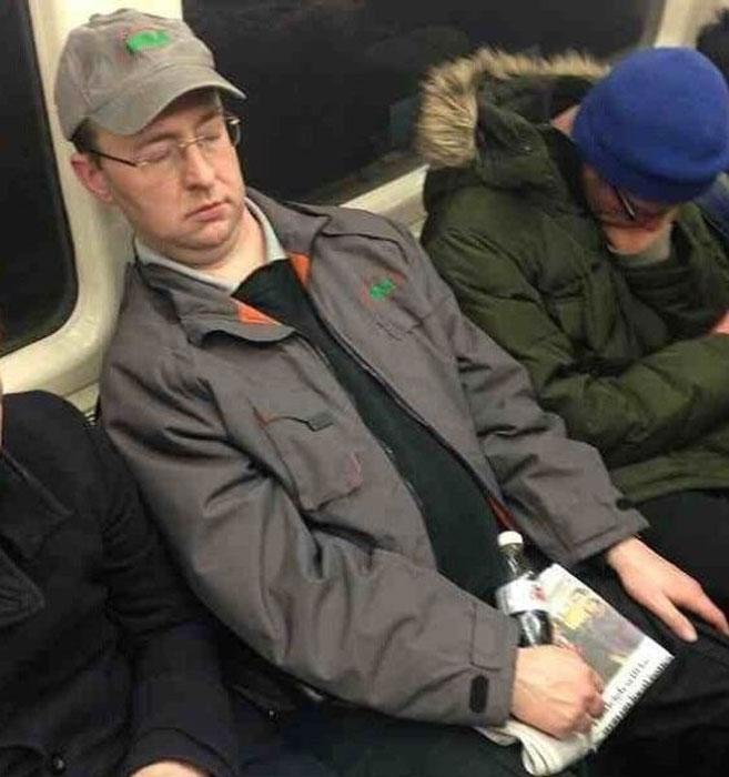 Спящие в транспорте фото фото 664-437