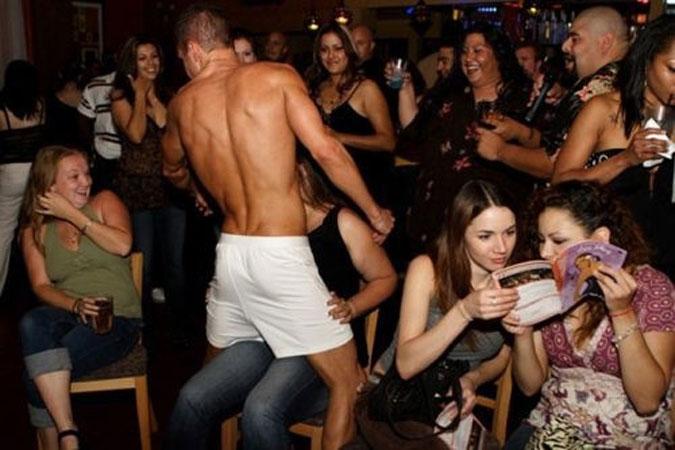 видео русские женщины в ночных клубах
