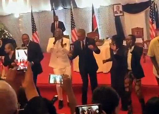 Обама приехал в Кению и станцевал там «новый гангнам стайл»