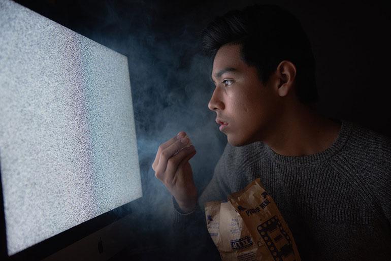 Учёные предупредили: современные телевизоры опасны для детей